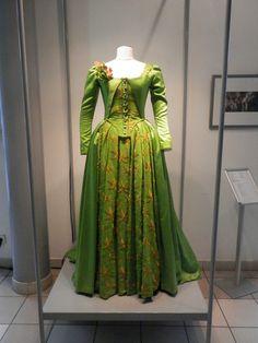 Les adieux a la reine, Benoit Jacquot .Des costumes de Marie-Antoinette créés…