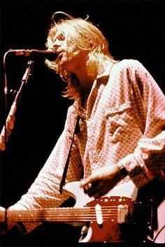 Kurt Cobain Live in NYC, November 15, 1993 Kurt Cobain Photos, Nirvana Kurt Cobain, Nirvana Lyrics, Donald Cobain, Smells Like Teen Spirit, Travel Humor, Eddie Vedder, Dave Grohl, Foo Fighters