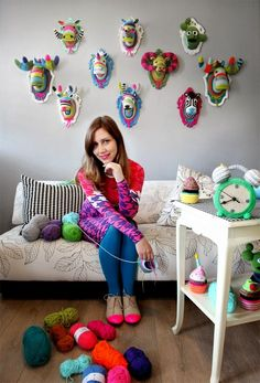 Crochet taxidermy by kathy Crochet Art, Crochet Home, Love Crochet, Crochet Animals, Crochet Patterns, Knitting Projects, Crochet Projects, Knitting Ideas, Crochet Taxidermy
