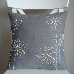 Contemporary Sashiko on Etsy. Cushion Embroidery, Sashiko Embroidery, Japanese Embroidery, Hand Embroidery Designs, Embroidery Applique, Embroidery Ideas, Sewing Pillows, Diy Pillows, Decorative Pillows