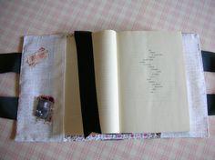 https://www.etsy.com/it/listing/239425375/porta-libro-book-cover-con-manici?ref=shop_home_active_1