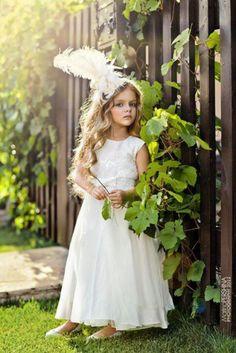 Super cute olden wedding flower girl outfit