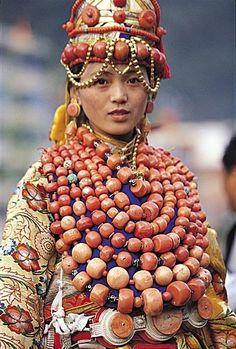 """Résultat de recherche d'images pour """"robe de mariée traditionnelle tibet"""""""