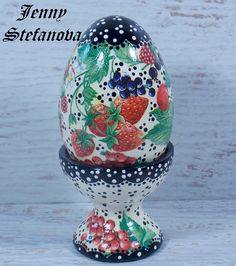 Decoupage by Jenny Stefanova Snow Globes, Decoupage, Diy, Eggs, Home Decor, Retro Pictures, Decoration Home, Bricolage, Room Decor