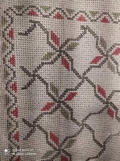 Cross Stitch Borders, Cross Stitching, Cross Stitch Patterns, Crewel Embroidery, Cross Stitch Embroidery, Crochet Tablecloth, Bohemian Rug, Projects To Try, Sissi