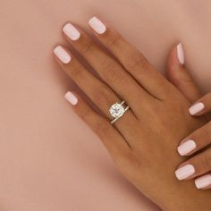 Diamond Engagement Ring,Round Diamond Engagement R Stylish Nails, Trendy Nails, Cute Nails, Wedding Day Nails, Wedding Nails Design, Wedding Nails For Bride Natural, Pink Nails, Gel Nails, Engagement Nails