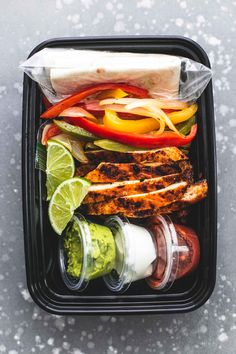The BEST easy and healthy Meal Prep Chicken Fajitas made in just 30 minutes or less on the grill, skillet, or in the oven. The BEST easy and healthy Meal Prep Chicken Fajitas made in just 30 minutes or less on the grill, skillet, or in the oven. Omelettes, Healthy Foods To Eat, Healthy Recipes, Healthy Wraps, Healthy Options, Diet Recipes, Healthy Eating, Paleo Meal Prep, Easy Lunch Meal Prep