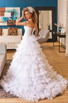 White Strapless Tiered Ruffled Tulle Ball Gown Wedding Dress Side Slit