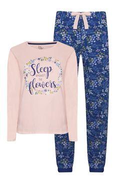 Cute Pjs, Cute Pajamas, Girls Pajamas, Cute Lazy Outfits, Girl Outfits, Night Suit For Girl, Cute Christmas Pajamas, Cute Sleepwear, Hijab Fashionista