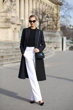 Paris Fashion Week street style snaps to give you outfit envy! Paris Fashion Week street style snaps to give you outfit envy! Black And White Outfit, White Pants, Black White Clothes, White Outfits, Fall Outfits, Fashion Mode, Paris Fashion, Fall Fashion, Workwear Fashion