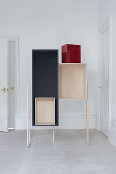 Tomàs Alonso - Box-Shelf, 2009 - Birch plywood, oak wood, dark grey matt lacquer and red high gloss lacquer finish, powder coated steel tube - H 160 L 104 D 47 cm - Edition of 8  © Nick Ballon, courtesy NextLevel Galerie