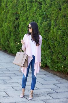 pink sweater, jeans, white tee, nude shoe-bag