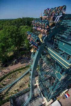 Efteling Park, the Netherlands Scary Roller Coasters, Crazy Roller Coaster, Holland, Art Du Cirque, Fair Rides, Amusement Park Rides, Carnival Rides, Water Slides, Sea World