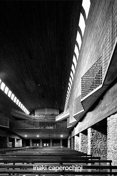 La Basilica de Arantzazu. Oñati. Pais Vasco. © Inaki Caperochipi Photography Sacred Architecture, Religion, Stairs, Black And White, Photography, Home, Temples, Spanish Architecture, Religious Architecture