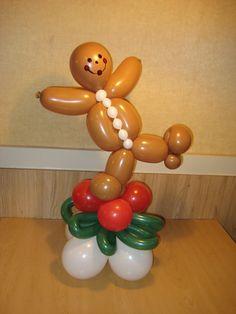 SO SIMPLE! Ballooney Gingerbread Boy...with both legs!    hollynagel.com #funballoonart #balloondecor #balloons