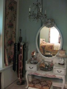 we have something very similar..we need to make into a makeup vanity.