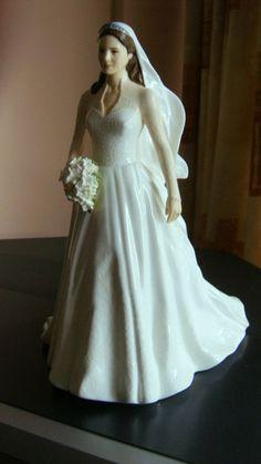 CATHERINE (KATE!) by ROYAL DOULTON HN5559 WEDDING DAY LTD ED