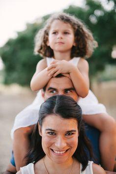 Célia & Nuno & Catarina - a family portrait session in Santarém - Portugal. More here: http://www.fotografamos.com/2014/01/29/celia-nuno-catarina-family-session-in-santarem/