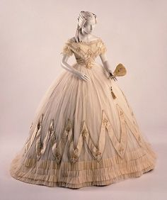 Evening dress, ca. 1860s McCord Museum