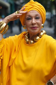 Turban Day on Advanced Style Do It Yourself Fashion, Advanced Style, Ageless Beauty, Young At Heart, Shades Of Yellow, Aging Gracefully, Mellow Yellow, Mustard Yellow, Old Women