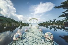 Wanna  a dream wedding with your #love? Come to #Sanya! #whererefrshingbigans…