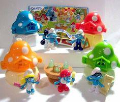 Kinder Lego Fan:   Šmolkovia v Maxi Kinder Surprise vajíčkach s pre...