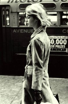 Jean-Shrimpton---New-York-1962--by-David-Bailey Jean Shrimpton, Fashion Shoot, Editorial Fashion, Fashion Models, David Bailey Photography, Vintage Photography, Fashion Photography, Vogue Photographers, English Fashion