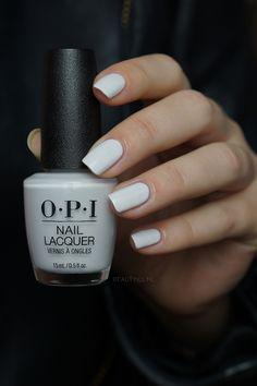 nail tips and tricks Baking Soda - How to Create Amzing Nail Tips - Pale Nails, Cute Pink Nails, Opi Nails, Pretty Nails, Manicures, White Nail Polish, Nail Polish Art, Nail Polish Colors, Shellac