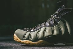 PreOrder Nike Air Foamposite One PRM - Olive 575420-200 USD 300.00 Release Date : 25-Sep https://www.kicks-crew.com/detail/11448/Nike-Air-Foamposite-One-PRM/Olive/575420-200/