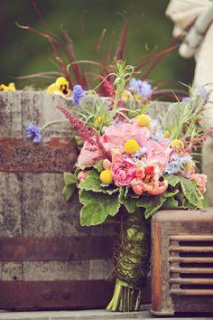 Rustic Vintage wedding flowers - love!