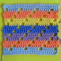 Patty wants to motif Filet Crochet, Crochet Afghans, Crochet Stitches Free, Crochet Car, Crochet Blocks, Afghan Crochet Patterns, Crochet Squares, Baby Blanket Crochet, Crochet Motif
