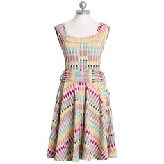 Can definitely see myself sitting at a garden party, sipping Pimms and eating cucumber sandwiches in this dress.