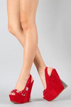 i would soooo rock these <3