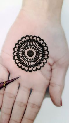 Simple Mehndi Designs Fingers, Circle Mehndi Designs, Very Simple Mehndi Designs, Mehndi Designs Front Hand, Pretty Henna Designs, Mehndi Designs For Kids, Mehndi Designs Feet, Arabic Henna Designs, Mehndi Designs Book