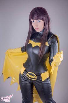 Batgirl Cosplayer: Dalin Cosplay * Photographer: Cato Kusanagi