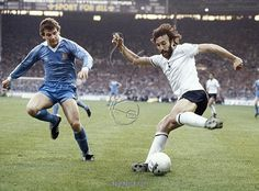 Sport. Football. FA Cup Final Replay at Wembley. pic: 14th May 1981.Tottenham Hotspur 3 v Manchester City 2. Tottenham Hotspur's Ricky Villa on the ball with Manchester City's Nicky Reid challenging