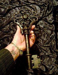 Huge old Skeleton Key Talisman