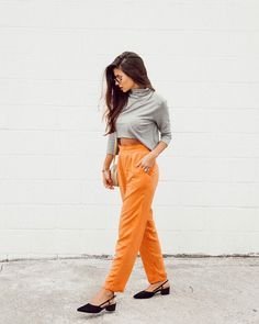 Calça de alfaiataria cintura alta + scarpin slingback. Instagram: @VIIHROCHA