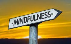 Te mostramos cómo se practica el #mindfulness en distintos ámbitos del día a día con ejemplos y ejercicios para llevar a la práctica. #alimentatubienestar