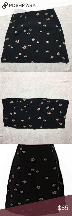"Banana Republic Skirt Banana Republic Casual skirt.                                             •A-line silhouette •Black •Floral print                                   •Measurements 16"" Length 24"" Waist                              SIZE - 2.       Materials 100% Rayon                                       {Excellent Condition} Banana Republic Skirts A-Line or Full"