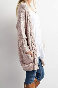 This Cable Knit Cardigan Sweater is so on trend this season! This cozy slightly oversized sweater is soft and features an open front with two front pockets. Throw this on over your favoruite shirt and Cardigan En Maille, Cable Knit Cardigan, Sweater Cardigan, Open Cardigan, Slouchy Cardigan, Longline Cardigan, Chunky Cardigan, Sweatshirt Outfit, Comfy Sweater