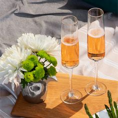 Build the perfect al fresco table with unique glass- and serveware collections from Carrol Boyes. Serveware, Tableware, South African Artists, Kitchen Utensils, Fresco, Alcoholic Drinks, Healthy Living, Collections, Unique