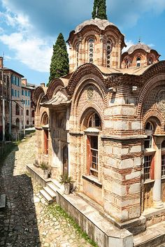 Monastery Chelandar, mount Athos Byzantine Architecture, Historical Architecture, Regions Of Europe, Byzantine Art, Chapelle, Beautiful Places In The World, Places To Travel, 12th Century, Architecture Details