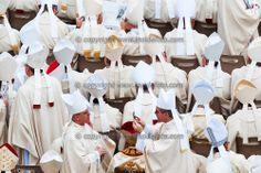 Two cardinals take pictures each other  Fotografie tra cardinali  Citta' del Vaticano 27-04-2014 Piazza San Pietro  Canonizzazione di Giovan...
