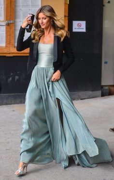 Look Fashion, High Fashion, Womens Fashion, Skirt Fashion, Wearing A Tuxedo, Looks Party, Style Haute Couture, Looks Street Style, Gisele Bundchen