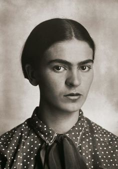 Cultura Inquieta - Rare and Beautiful Portraits of Young Frida ...