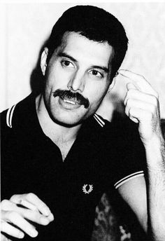 The ever beautiful soul that is Freddie Mercury ❤️ Brian May, John Deacon, Queen Ii, Roger Taylor, Queen Photos, Star Wars, Queen Freddie Mercury, Queen Band, Killer Queen