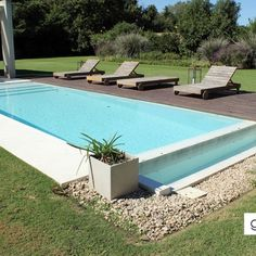 Pileta de Hormigón Backyard Pool Designs, Swimming Pools Backyard, Swimming Pool Designs, Modern Pools, Hotel Pool, Small House Plans, Staycation, Great View, Garden Inspiration