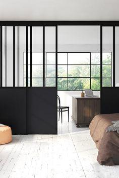 Séparation de pièce type atelier d'artiste / modèle verrière 3 traverses verticales, vitre feuilletée claire et décor panneau noir