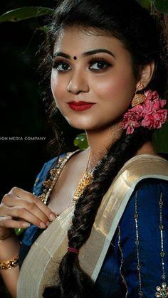 Bollywood Actress, Elegant Dresses, Desi, Beautiful Women, Actresses, Traditional, Beauty, Amazing, Good Looking Women